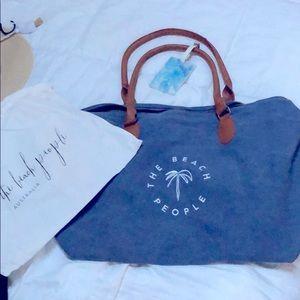 NWOT The beach People-weekender tote bag.